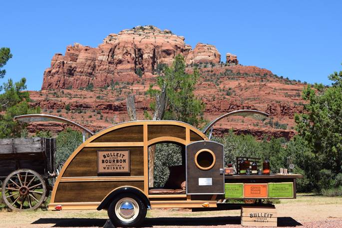 Bulleit-Whiskey-Woody-Tailgate-Trailer-image003-1